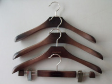 高档木衣架