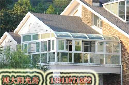 玻璃阳光房起源于欧美 在国内也叫 玻璃屋图片