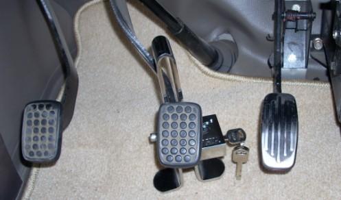 刹车 离合器 油门如何配合使用图片