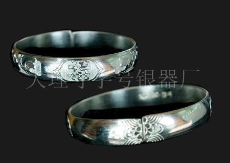 银镯子变黄_(图)定制纯银手镯|纯银手镯变黄怎么办|纯银手镯变黑